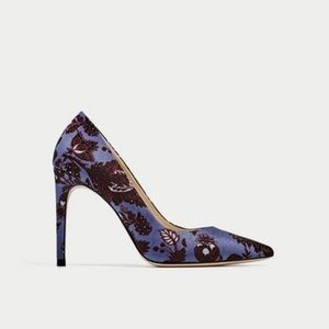NWOT Purple-Blue Jacquard Pointed Toe High Heel